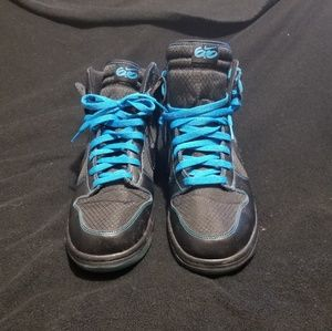 Size 13 Nike Dunks Electric blue and black